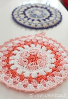 Transcendent Crochet a Solid Granny Square Ideas. Inconceivable Crochet a Solid Granny Square Ideas. Crochet Potholders, Crochet Squares, Crochet Motif, Crochet Designs, Crochet Yarn, Crochet Patterns, Crochet Granny, Crochet Hot Pads, Cute Crochet