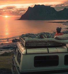 1253 Likes 20 Comments the vanlife by vanlifers Van Life, Adventure Awaits, Adventure Travel, Life Hacks, Life Tips, Kombi Home, Camper Life, Camper Van, Van Living