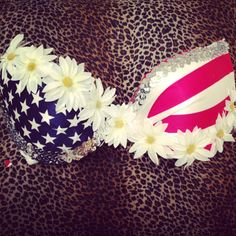 NOW THAT'S SHOWING PATRIOTISM! American Flag and White Daisy Bra BOMBSHELL VERSION EXTRA PADDiNG/Push up Top for Raves Edc Festivals.
