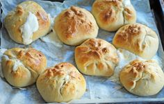 How to make the cheese bread known as khachapuri. These savory-smelling rolls wi… How to make the cheese bread known as khachapuri. These savory-smelling rolls with cheese squishing out of them are bursting with flavor. Comida Israeli, Israeli Food, Vegetarian Cheese, Vegetarian Recipes, Bread Recipes, Cooking Recipes, Muffin Recipes, Yummy Recipes, Cooking Tips