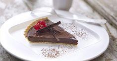 Aprende a preparar Tarta  de chocolate con las recetas de Nestle Cocina. Elabórala en casa con nuestro sencillo paso a paso. ¡Delicioso! #NestleCocina