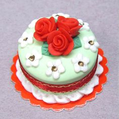 1:12 Polymer clay Dollhouse miniature Christmas cake with red roses Dolls house miniature food.