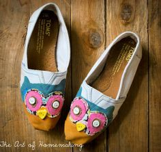 Owl Toms Shoes #owl #shoes #Toms #DIY #project #craft #painted #hand