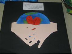 Whole world in His hands craft - or for a Love your enemies lesson (love… Bible Story Crafts, Bible Stories For Kids, Bible Crafts For Kids, Preschool Bible, Preschool Crafts, Kids Bible, Preschool Ideas, Earth Day Projects, Art Projects