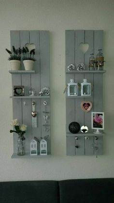 Pallet Furniture Projects Leuk - By the end of this creative roll of DIY pallet shelves, you'll want every shelf at your place. Pallet Crafts, Diy Pallet Projects, Home Projects, Pallet Ideas For Walls, Carpentry Projects, Wood Ideas, Wood Crafts, Homemade Wall Decorations, Palette Diy