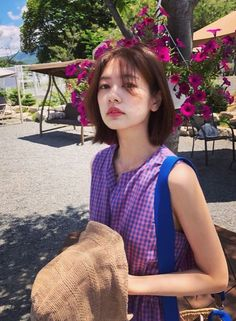 """Let Han Niu compete for the new short hair model! Million Stars Falling from the Sky"""" Ting Maon """" Bend Short Bob"""" Young Actresses, Korean Actresses, Million Stars, Short Hair Model, Jung So Min, Strike A Pose, K Idols, Girl Crushes, Short Hair Styles"""