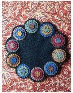 Pinwheel Coaster Penny Rug Patterns, Wool Applique Patterns, Felt Patterns, Felt Applique, Print Patterns, Penny Rugs, Felted Wool Crafts, Felt Crafts, Fabric Art