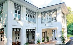 Black and White houses in Singapore: Ridley Park