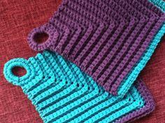 Pannenlap. Zie voor patroon: http://appleblossomdreams.blogspot.nl/2013/01/stash-buster-6-rainbow-of-dishclothes.html