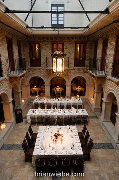 romantic courtyard dining at Hacienda Sarria #wedding