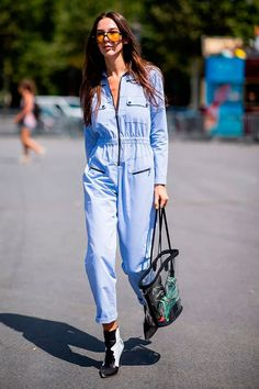 Haute Couture Fashion Week street style July show-goer wearing blue jumpsuit Style Couture, Haute Couture Fashion, Fashion Week, Star Fashion, Blue Fashion, Combi Jean, Stylish Outfits, Fashion Outfits, Casual Chique