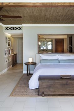 The rooms in St Regis, Mauritius are furnished to give you a homely feel while on holiday