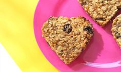 If school mornings are crazy at your house like they are at mine then you will love these breakfast biscuits. They are choc-full of healthy oats, raisins and coconut. This makes them perfect for eating on the way to school in the car and will give them enough energy to make it to recess.