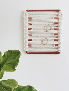 diy woven jewelry holder by designsponge
