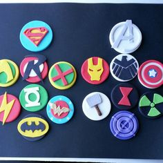 Justice league / Avengers logo fondant cupcake by DsCustomToppers - ships to Australia! Superhero Cupcake Toppers, Fondant Cupcake Toppers, Avengers Birthday Cakes, Superhero Birthday Party, Birthday Ideas, Avenger Cupcakes, Wonder Woman, Cookie Designs, Justice League