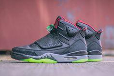 AIR JORDAN SON OF MARS (BLACK/GYM RED) - Sneaker Freaker