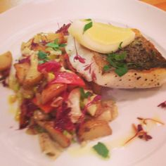 Nasello Pollock fillet served with a warm salad of roasted fennel, blood orange and sautéed potatoes. Perfect for spring! Protein, Roasted Fennel, Warm Salad, Blood Orange, Menu, Tasty, Healthy Recipes, Dishes
