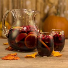 Hennything is Possible - Tipsy Bartender Cranberry Juice Benefits, Cocktail Desserts, Fun Cocktails, Hennessy Cocktails, Cocktail Recipes, Thanksgiving Sangria, Holiday Sangria, Mixed Drinks Alcohol