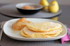 Wolken-Pancakes mit selbstgemachtem Birnenkompott *
