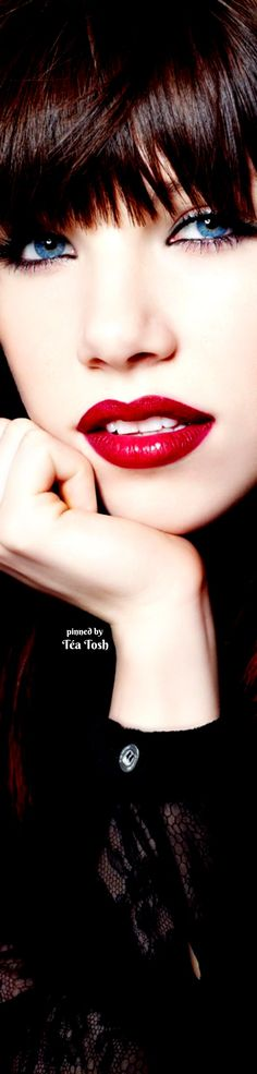 ❇Téa Tosh❇ Carly Rae Jepsen,  is a Canadian singer, songwriter, and actress