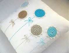 Ideas Embroidery Pillow Cases Design For 2019 Crochet Cushion Cover, Crochet Cushions, Sewing Pillows, Crochet Pillow, Diy Pillows, Crochet Motif, Crochet Flowers, Crochet Patterns, Machine Embroidery Patterns