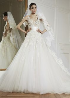 Zuhair Murad / Beautiful Ivory wedding gown / dress and veil