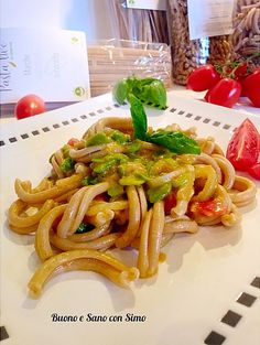 Green Beans, Spaghetti, Vegetables, Ethnic Recipes, Food, Hoods, Vegetable Recipes, Meals, Noodle