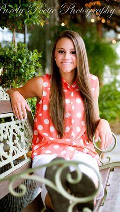Senior picture pose