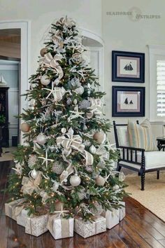 Coastal Christmas Tree & How to decorate your christmas tree and mantel the easy way. Plus ...