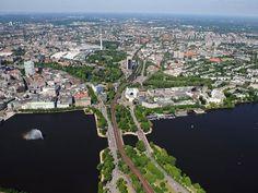 Blick auf Hamburg, im Vordergrund die Binnen- und die Außenalster #Hamburg