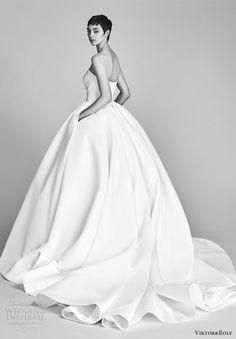 viktor and rolf spring 2018 bridal strapless sweetheart bow waist ball gown wedding dress (9) bv pocket train romantic modern -- Viktor