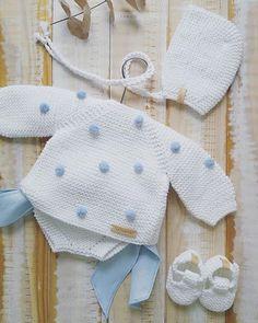 Baby Cardigan Knitting Pattern, Baby Knitting Patterns, Crochet Baby Clothes, Cute Baby Clothes, Bebe Baby, Baby Boy, Crochet Dolls, Knit Crochet, Baby Sweaters