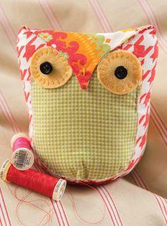 Owl Stuffie (Free Sewing Pattern)