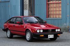 Alfa Romeo Gtv6, Alfa Gtv, Custom Muscle Cars, Old School Cars, Bmw Series, Exterior Trim, Car Tuning, Audi Tt, Transportation Design