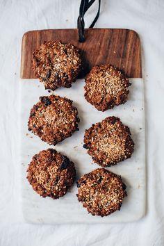 Healthy Breakfast Cookies w/ Nuts, Oat & Banana