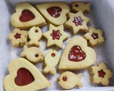 Linecké pečivo - recept | Varecha.sk Ale, Cookies, Desserts, Food, Basket, Crack Crackers, Tailgate Desserts, Deserts, Ale Beer