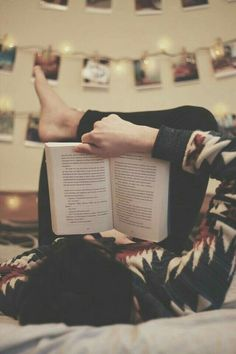 Teenage Girl Photography, Girl Photography Poses, Cute Girl Poses, Girl Photo Poses, I Love Books, Books To Read, Selfies, Enough Book, Book Aesthetic