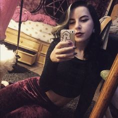 meet your seller/buyer  hello cx my names Kasey, I'm 19, and live right outside of Boston, MA. I love shopping always willing to trade for band merch (specifically hardcore, metalcore, indie, emo, etc), horror Ts, high waisted shorts, crop tops, thigh highs/tights, boots, flannels, leggings etc. super friendly and laid back :-) always willing to work something out. thanks for shopping/reading  Instagram: kaseydarko Urban Outfitters Other