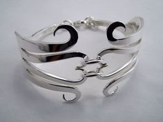 Here are two companies that make exquisite jewellery from recycled forks and spoons. Fork And Spoon Jewelry is a family business. The Leidelmeyer family have been silversmithing and jewellery maki…