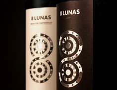 8 Lunas Wine on Packaging of the World - Creative Package Design Gallery