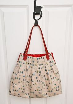 Great Trendy Pleated Tote Bag free sewing tutorial