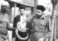 Che Guevara and a snake in Benin, 1965