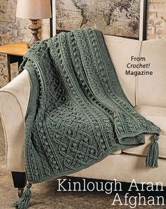 Crochet Afghan Patterns Kinlough Aran Afghan - Check out this easy recipe for the best turtle apple pops! Crochet Afghans, Knit Or Crochet, Crochet Stitches, Crochet Hooks, Crochet Blankets, Cable Knit Blankets, Crochet Winter, Chunky Crochet, Throw Blankets