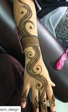 mehndi design Minus the arm band. Simple Arabic Mehndi Designs, Mehndi Designs Book, Indian Mehndi Designs, Mehndi Designs 2018, Mehndi Designs For Beginners, Modern Mehndi Designs, Mehndi Design Pictures, Mehndi Designs For Girls, Wedding Mehndi Designs