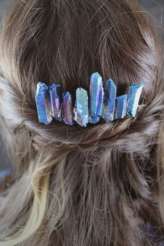 The 38 Most Creative DIY Hair Accessories We Could Find 38 Creative DIY Hair Accessories – Lightsaber Crystals Hair Comb – Create Pretty Hairstyles for Women, Teens and Girls with These Easy Tutorials – Vintage and Boho Looks for Prom and Wedding – Step b Hair Accessories For Women, Jewelry Accessories, Fashion Accessories, Fashion Jewelry, Vintage Hair Accessories, Bridal Accessories, Unique Hairstyles, Pretty Hairstyles, Latest Hairstyles