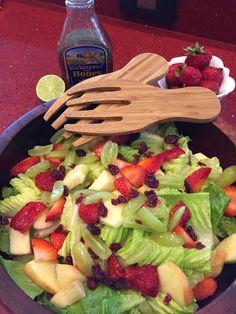 Deliciosa ensalada dulce: lechugas, fresas, uvas, manzana y arándanos deshidratados. Aliño: Miel y limón Fresco, Avocado, Chicken, Food, Honey, Salads, Sweets, Food Recipes, Fresh