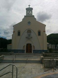 Iglesia de la Plaza de Peñuelas PR