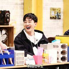 Eunhyuk Super junior ❤❤ Super Junior, Lee Hyukjae, Dancing King, Korean Boy, Boring Life, Leeteuk, Kpop, Tvxq, Listening To Music