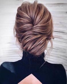 Upstyle Inspo @kamalova #updo #upstyle #hairinspo #modernsalon