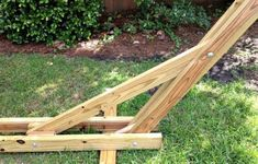 DIY hammock stand DIY hammock stand There are plenty of stuff that could finally comprehensive your lawn, for instance an existing white picket fence or even an outdoor complete with magnificent blooms. Backyard Projects, Outdoor Projects, Garden Projects, Home Projects, Diy Hammock, Hammock Stand, Hammocks, Hammock Frame, Backyard Hammock